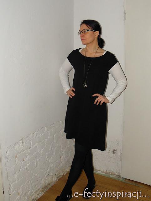 e-fectyinspiracji, moje szycie, czarna sukienka z jerseyu, jak uszyć sukienkę, mała czarna, mini sukienka, buty Maxoni, wisior z zegarkiem, wisior z maszyną do szycia, black&white, biała bluzka czarna sukienka