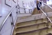 Metrodan Hzlı Giden Adam