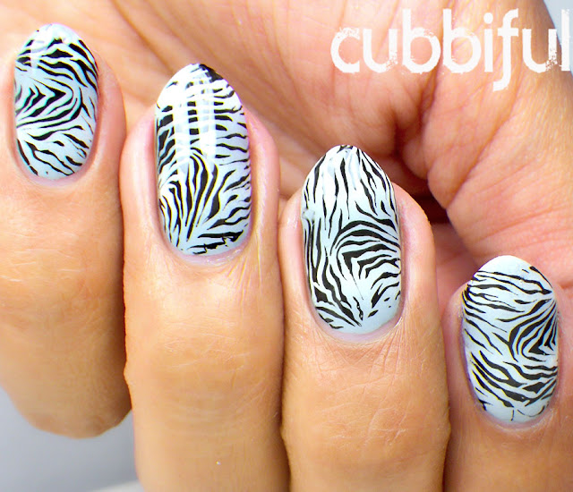 Animal Print Gradient Nails