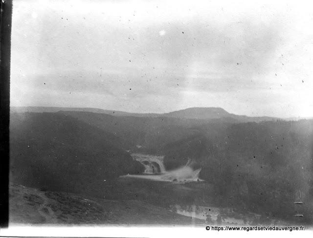 Le Suc de Rond et la cascade, Rignac, Cantal.
