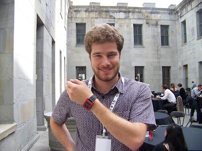 Как начиналось создание умных часов и этапы развития Pebble, создателем и основателем компании Pebble Technology Эриком Миджиновски