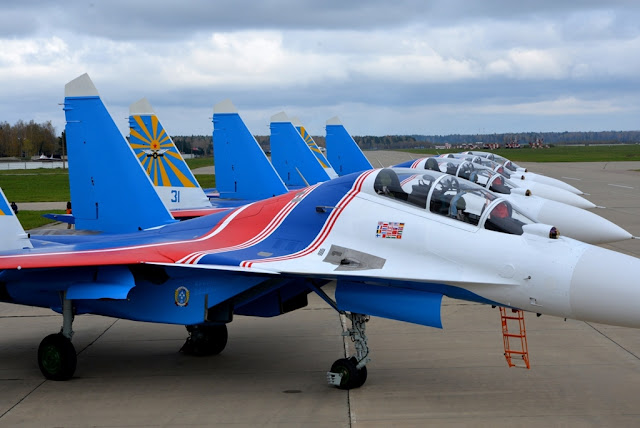 (VIDEO) RUSSIAN KNIGHTS RECEIVE NEW SU-30SM