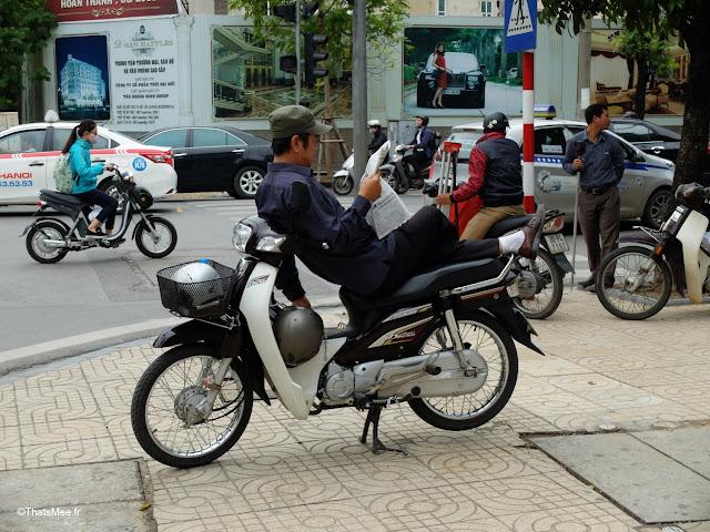 vietnam hanoi taxi scooter pause journal