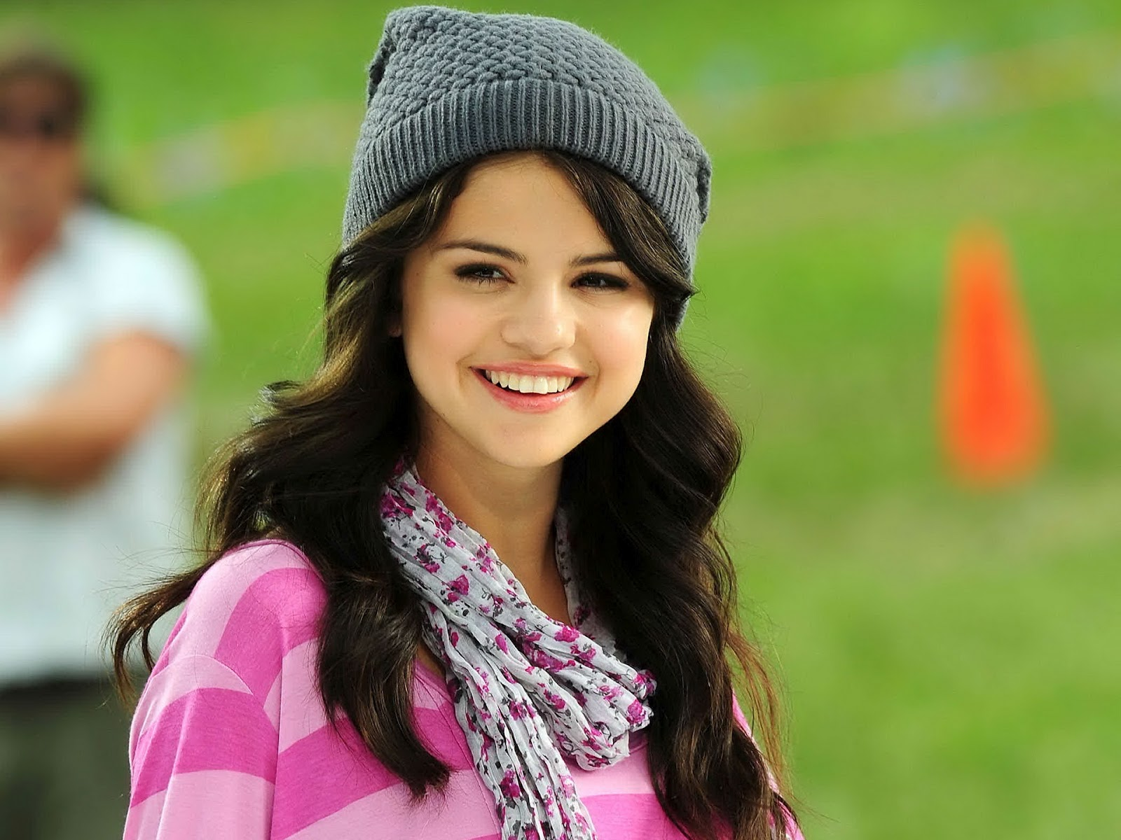 Hd Wallpapers N Backgrounds Selena Gomez Cute Hd Wallpaper