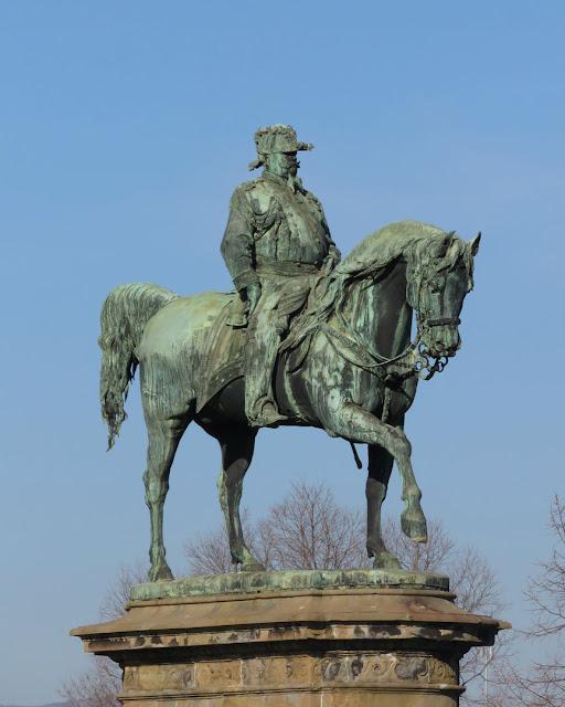 Monument to Vittorio Emanuele II by Emilio Zocchi, Piazza Vittorio Veneto, Florence