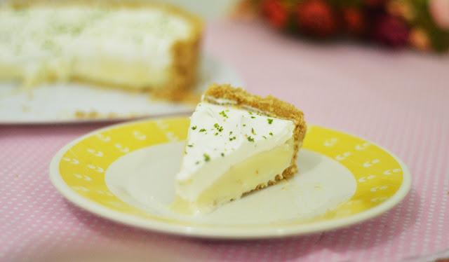 Torta de Limão fácil com Chantilly