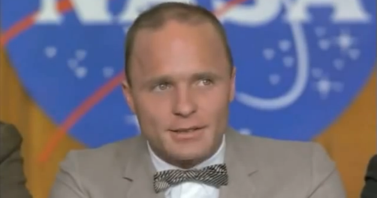 who played john glenn in the right stuff