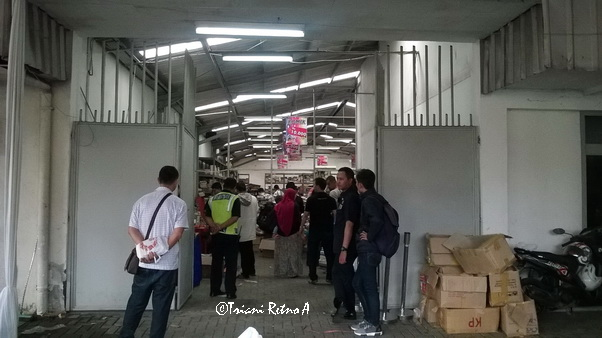 Big sale di gudang gramedia Bandung