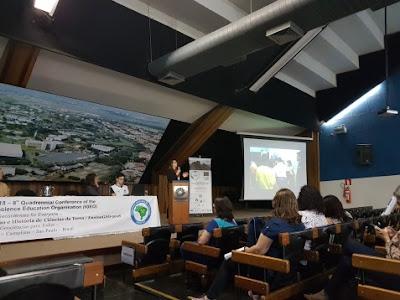 Equipe do MCTer participa de evento sobre ensino e história de Ciências da Terra.