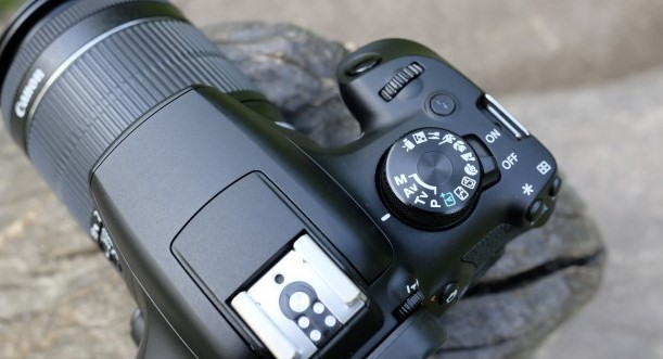 desain dari kamera dslr canon eos 1300d