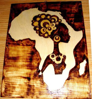 África em pirogravura