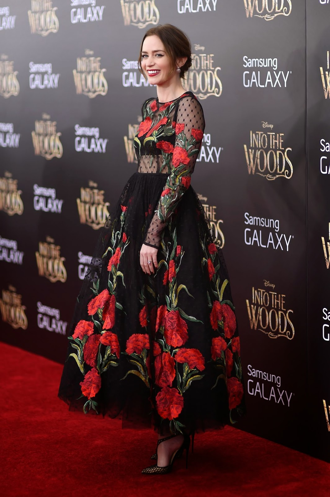 Emily Blunt is glamorous at the 'Into the Woods' NYC Premiere