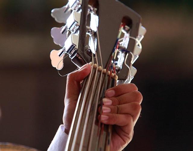 la guitarra instrumento del mariachi
