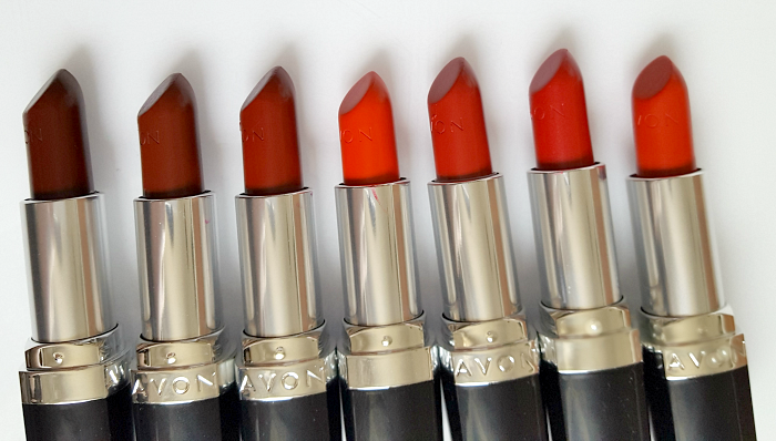 AVON True Colour Perfect Reds Collection - Lipsticks Lippenstifte
