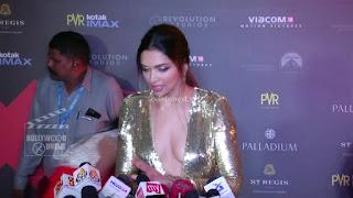 Deepika Padukone Promoting   Return of Xander Cage in India in Golde Gown 86 .xyz.jpg