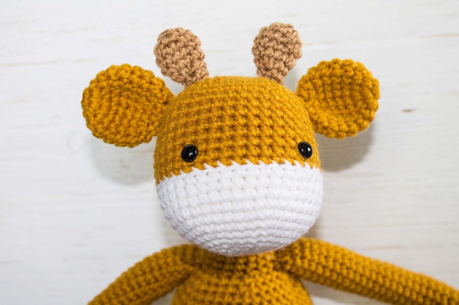 Free Crochet Pattern- The Friendly Giraffe Toy - thefriendlyredfox.com