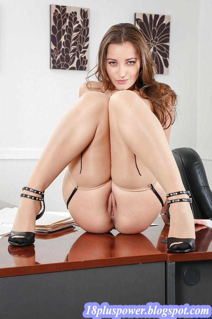 American Porn Star Model And Pornographic Actress Dani -1818