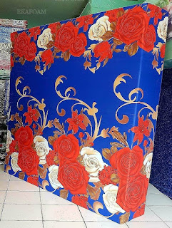 Kasur inoac motifBunga rose mery biru