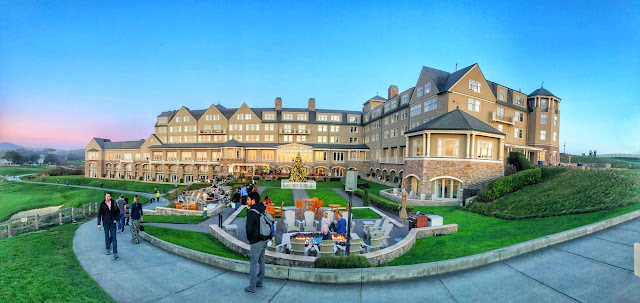 It seems weather around Ritz Carlton in Half Moon Bay is usually foggy but we were lucky to be there on right day with good clarity to enjoy panoramic views of ocean, golf course and surrounding areas along with huge buildings of the hotel.