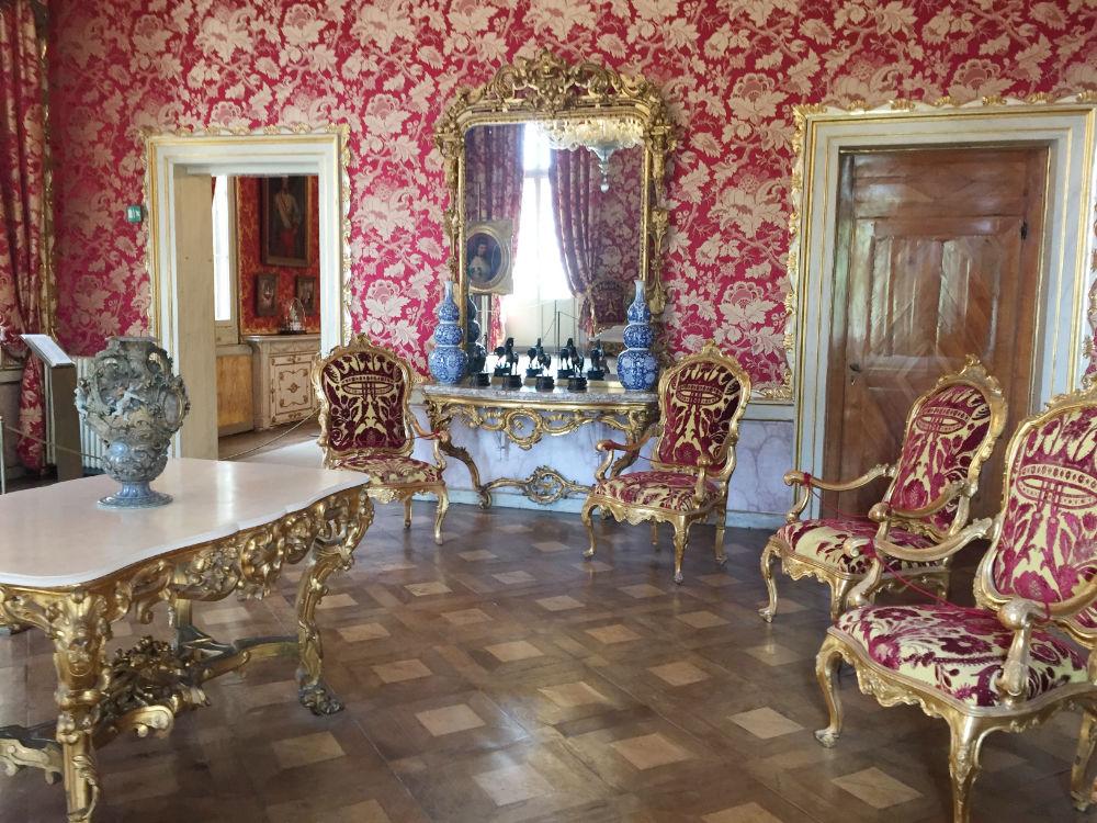 Venezia regale il museo correr viaggiolibera for Ponte delle cabine di rapsodia dei mari 2