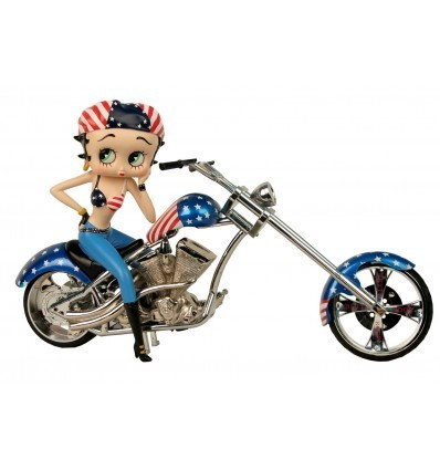 Betty Boop Motera con una Harley Chopper