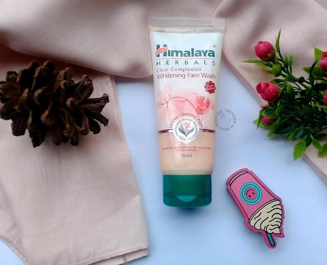 himalaya, whitening, facewash, pretty-moody.com