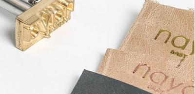 gravure prénom sur cuir