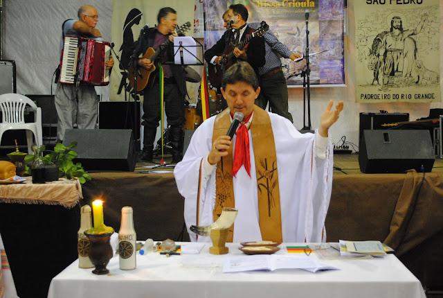 http://www.oblogdomestre.com.br/2017/06/PreceDoGaucho.Religiao.html