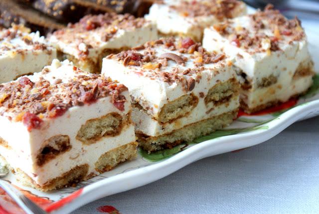 ciasto bez pieczenia,tiramisu,ciasto na biszkoptach,latwe ciasto bez pieczenia,ciasto kawowe bez pieczenia,ciasto serowe bez pieczenia,biszkopt,