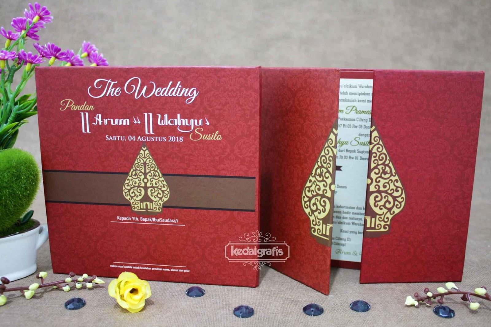Undangan Pernikahan Merah Gold