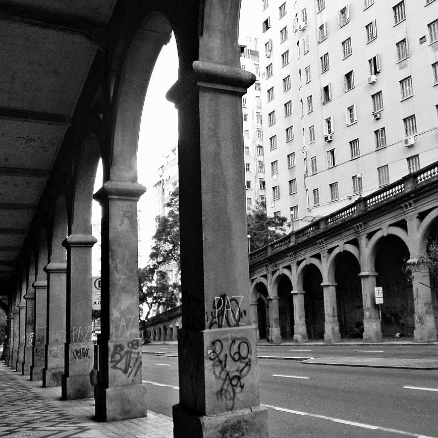 Viaduto Otávio Rocha, em Porto Alegre
