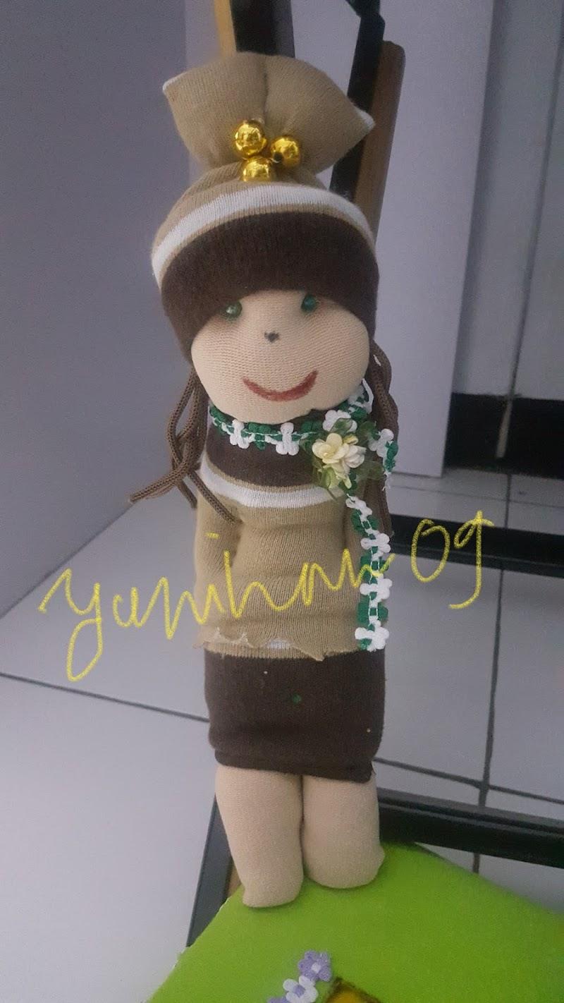 Berkreasi dengan Boneka dari Bahan Kaos Kaki