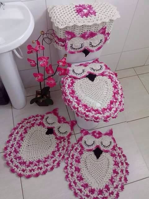 Crochet Toilet Covers and Rugs