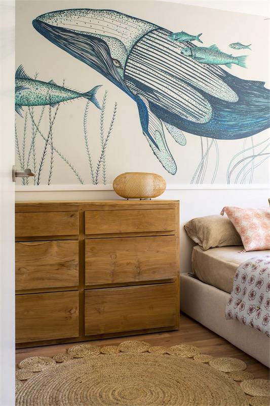 dormitorio con cabecero pintado chicanddeco