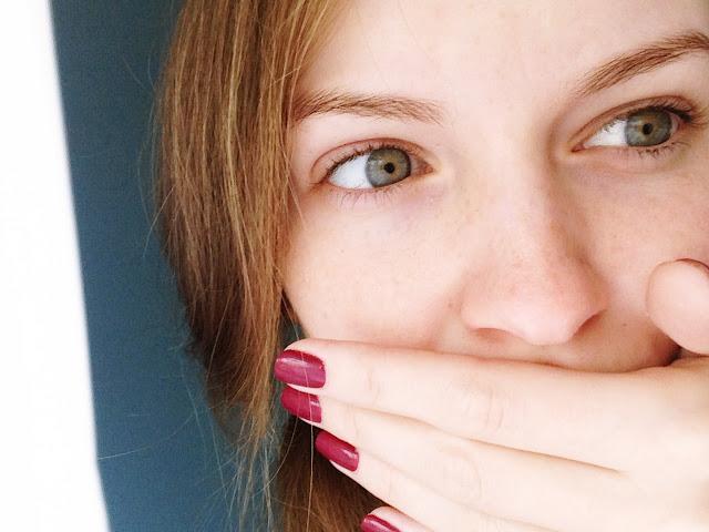 suche skórki na twarzy