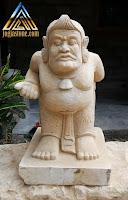 Kerajinan batu alam paras jogja atau batu putih bentuk patung semar
