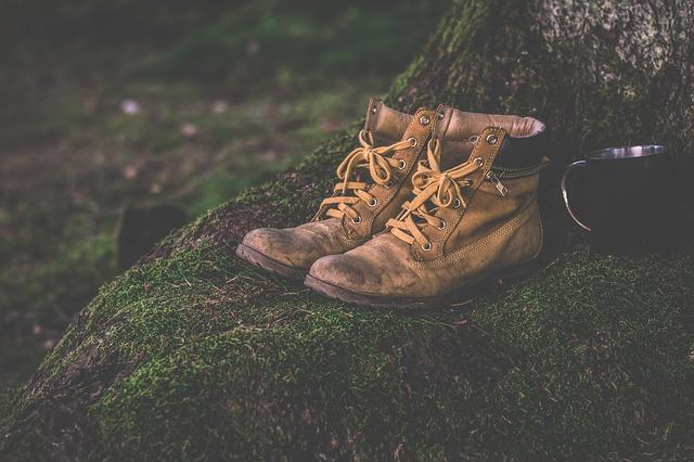 6 Tips Menghilangkan Bau Kaki di Sepatu Agar Wangi Lagi