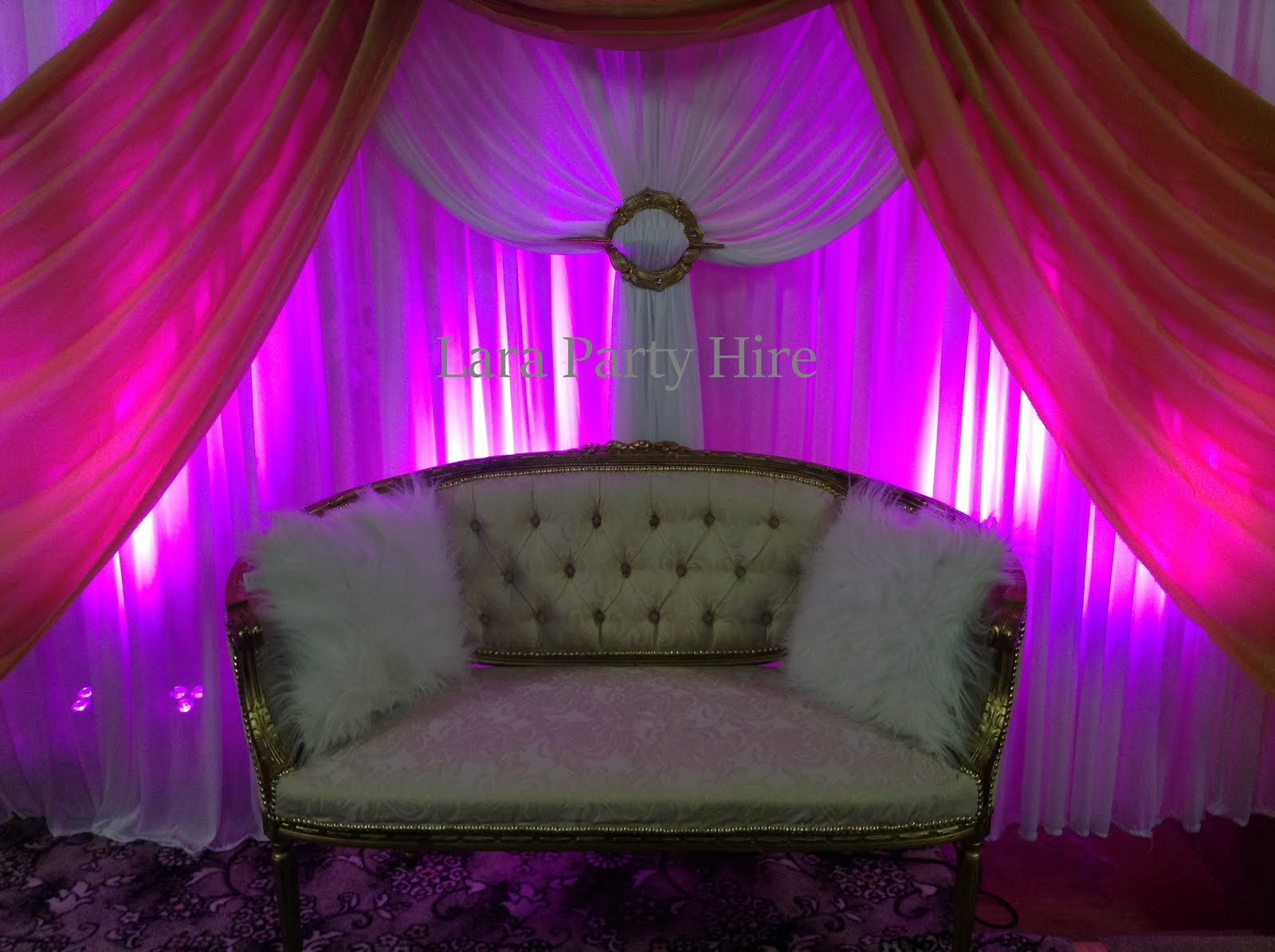 Wedding Sofa €100