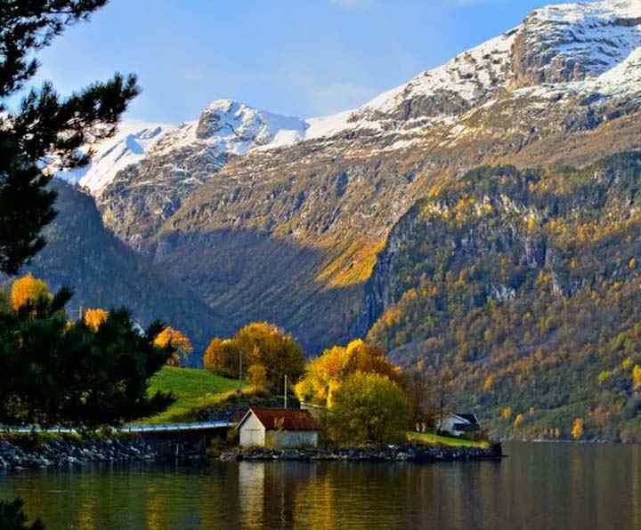 sonbahar manzarası karlı dağ resimleri