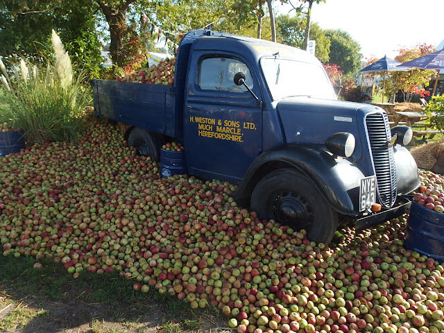 Malvern Autumn Show - tonnes of apples in Weston's retro display
