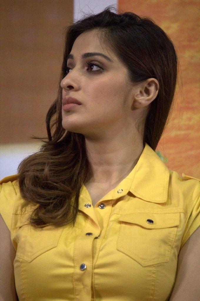 Tamil Actress Raai Laxmi 2017 Hot Face Close Up Stills