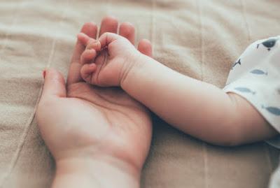 Заробітчанка народила дитину в туалеті й хотіла її вбити
