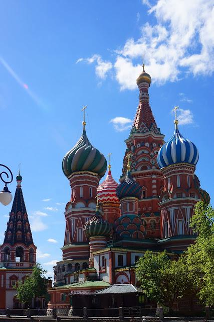 На фото - Москва. Храм Василия Блаженного