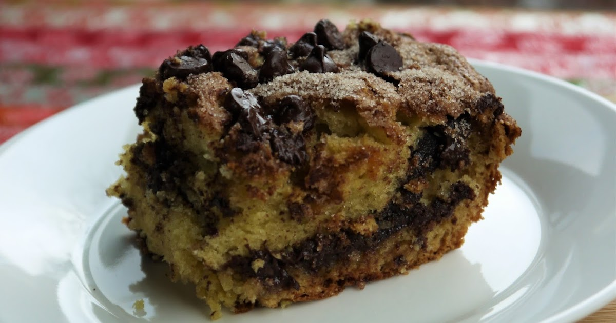 Clockwatching Tart: Chocolate Chip Sour Cream Coffee Cake