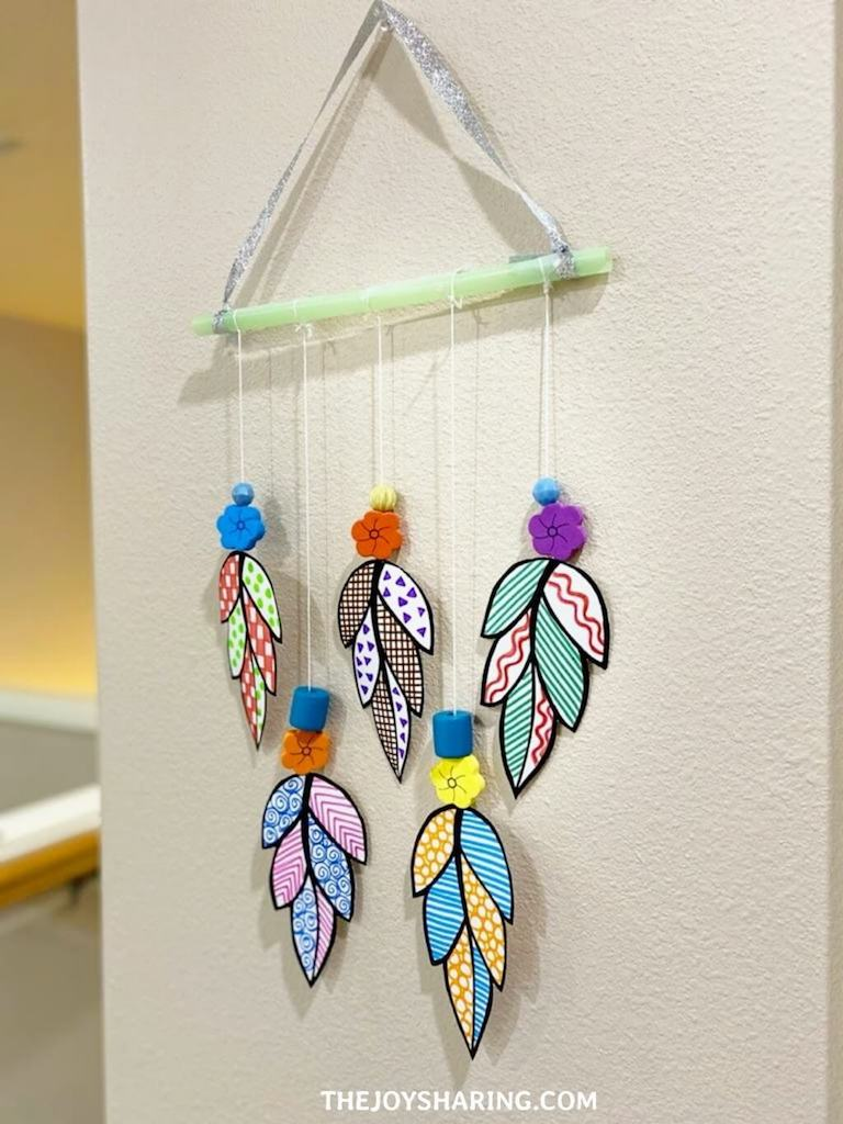 Step-by-Step Instructions to make easy doodle art paper leaves wall hanging