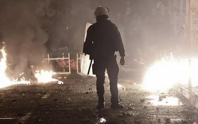 «Γ@μώ την Ελλάδα, γ@μώ τη χριστιανοσύνη σας» – ΜΑΤατζής περιγράφει τα χθεσινά επεισόδια