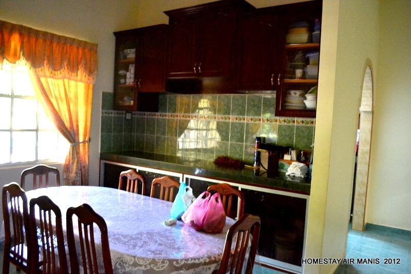 Tamu Ala Kampung Ruang Makan Homestay Air Manis Rm280 00 Rumah Banglo
