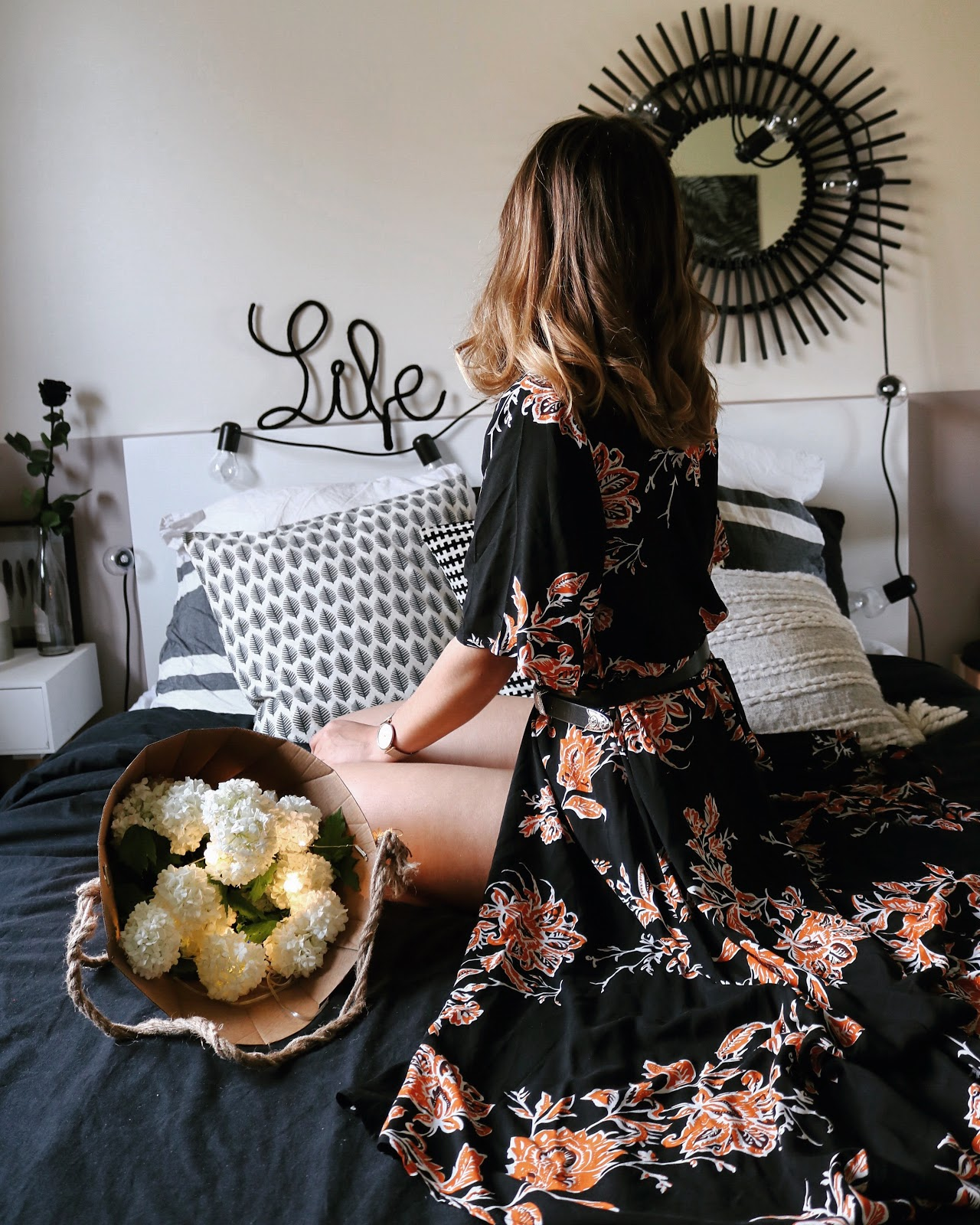 pauline-dress-blog-mode-deco-lifestyle-flowers-long-dress-fete-des-meres-idees-cadeaux-shein-asos-parfum-make-up-bed-room-home-blogger-besancon