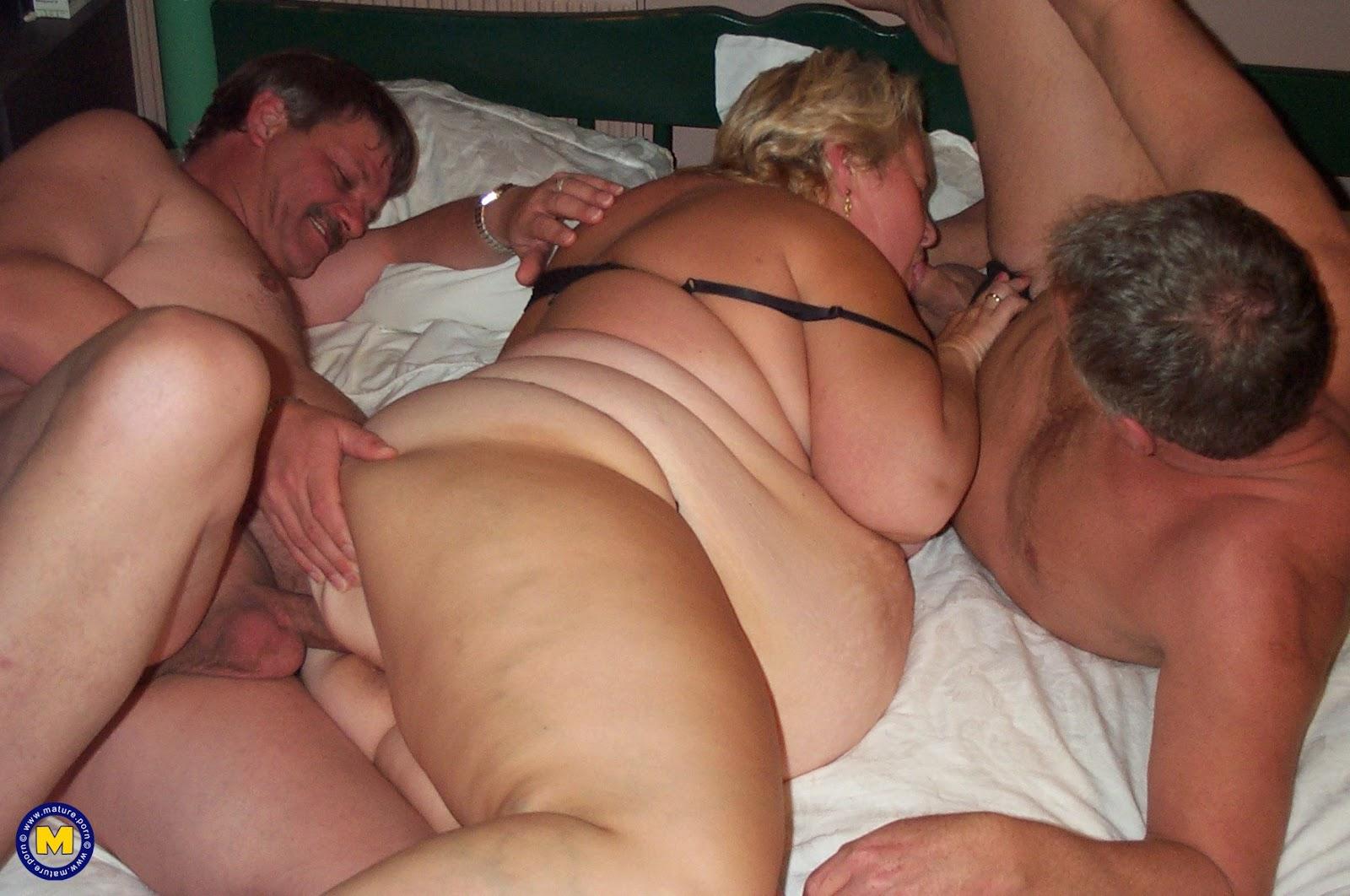Трахают зрелых жирных баб, Толстушки, толстые жирные женщины Смотреть 230 25 фотография