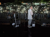 Afgan Diusir, Lampu Panggung Semua Dimatiin, Alias Gw Diusir Penonton Menyalakan Flashlight